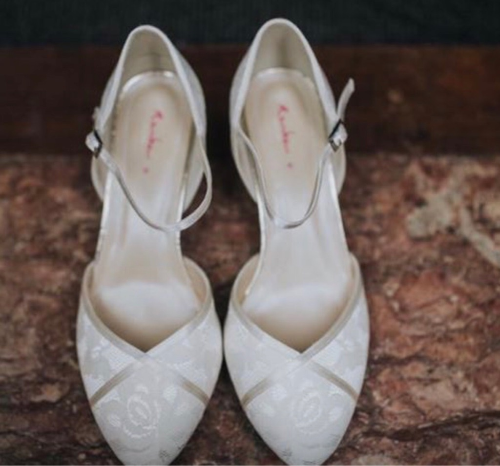 Cream Lace Wedding Shoe size 6