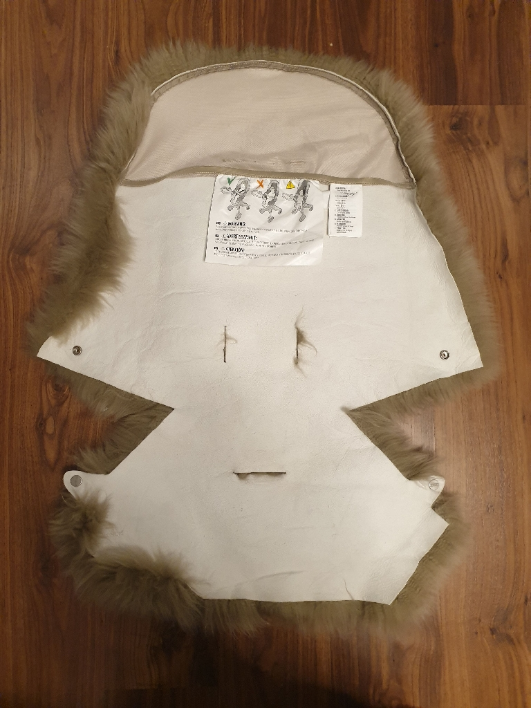 Stokke® xplory sheepskin with brush