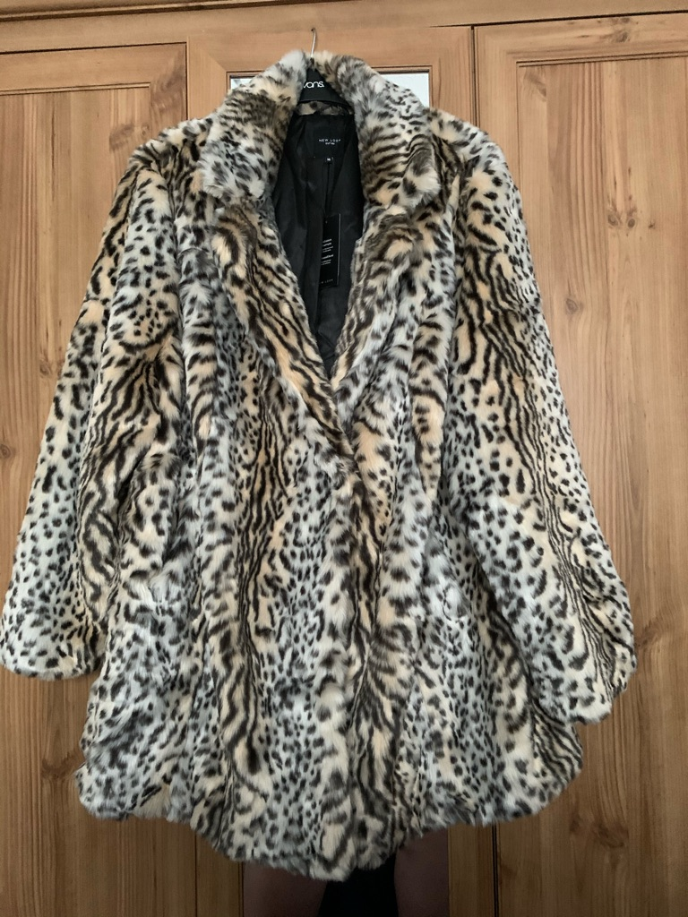 Plus size ladies flux fur coat