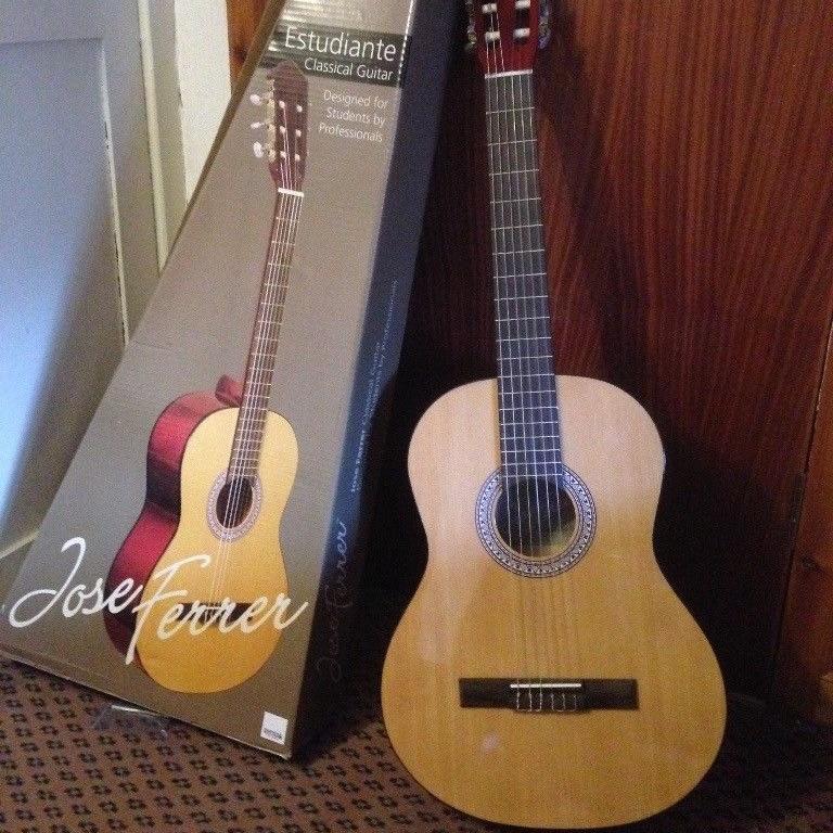 Jose Ferrer Estudiante Classical Guitar 3/4 Size