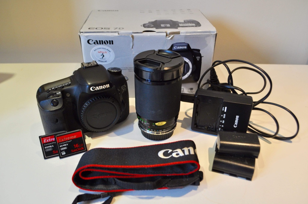 Canon 7D Bundle with 28-200mm f/3.5/5.3 Lens & OM-EOS Adapter