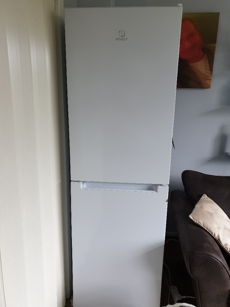 Indesit fridge/freezer