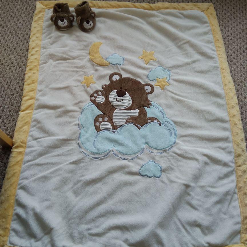 Baby blanket and sleepers