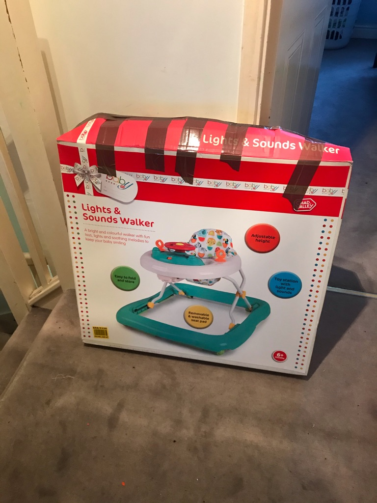 Baby walker with lights