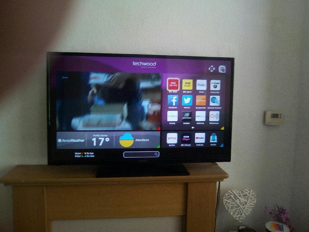 """42"""" Smart Tv."""