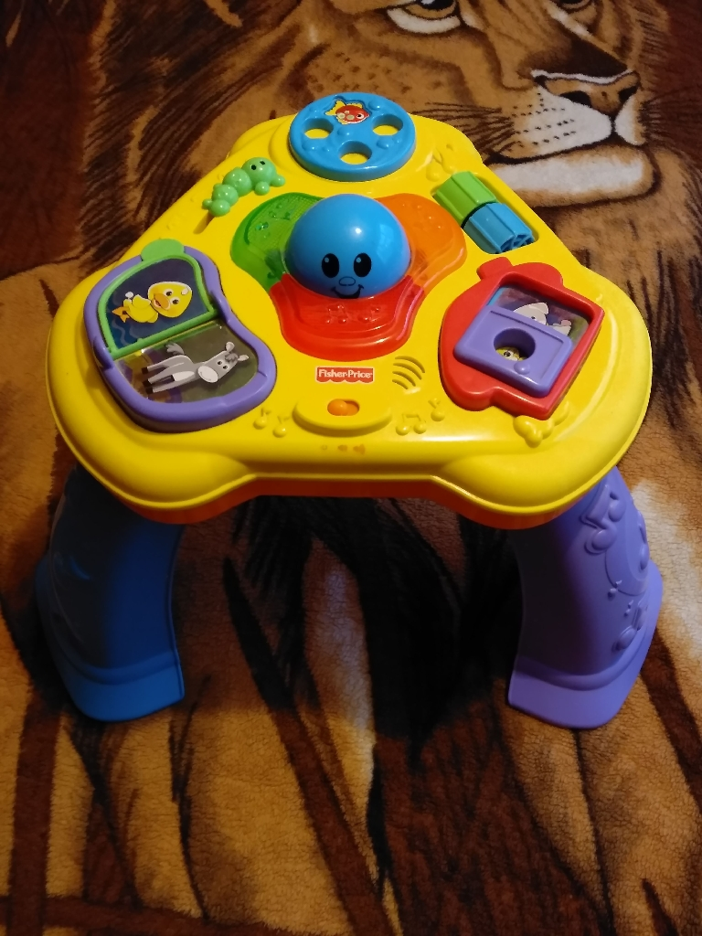 Fisher Price light and sound table