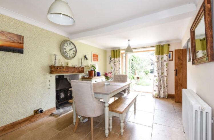 5 bedroom Cotswold Stone family house