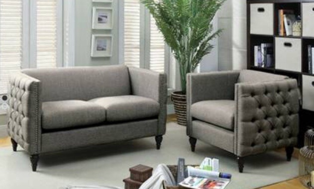 Ample space? Love seat and chair