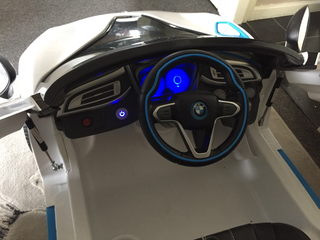 Bmw i8 spyder ride on car