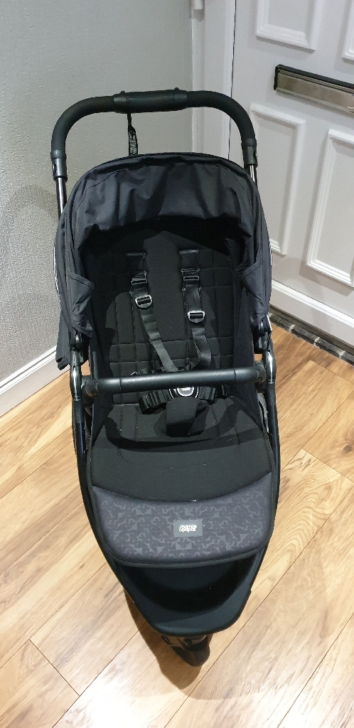 Mama and papas armadillo sport pushchair