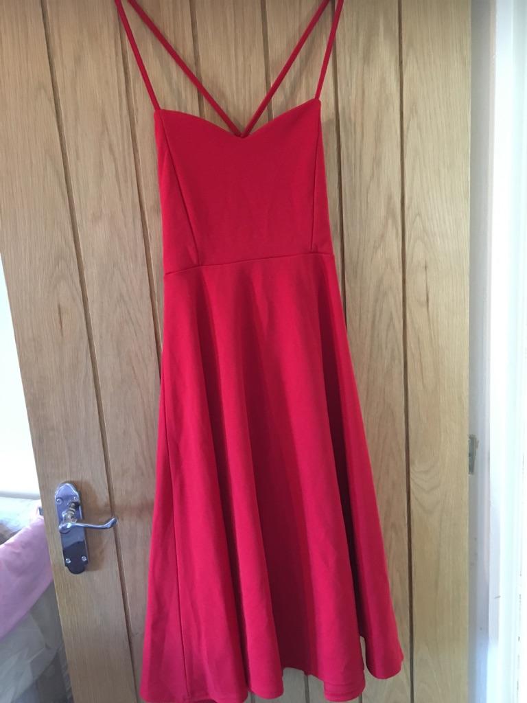 Ladies red boohoo dress size 12 BNWT