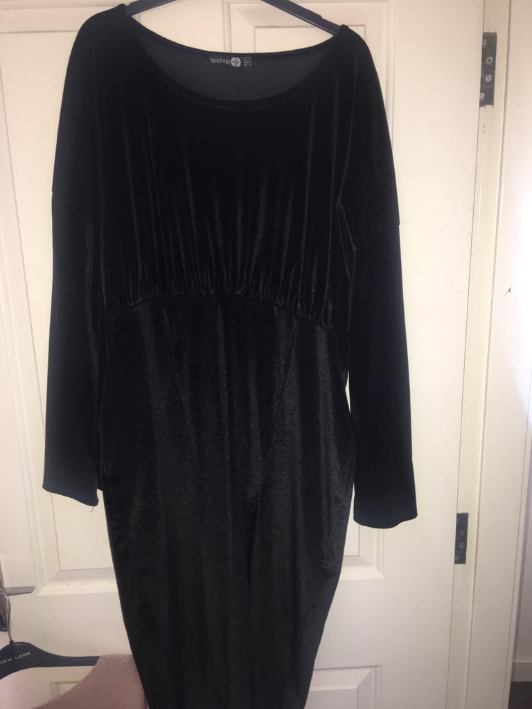Boo hoo black velvet dress