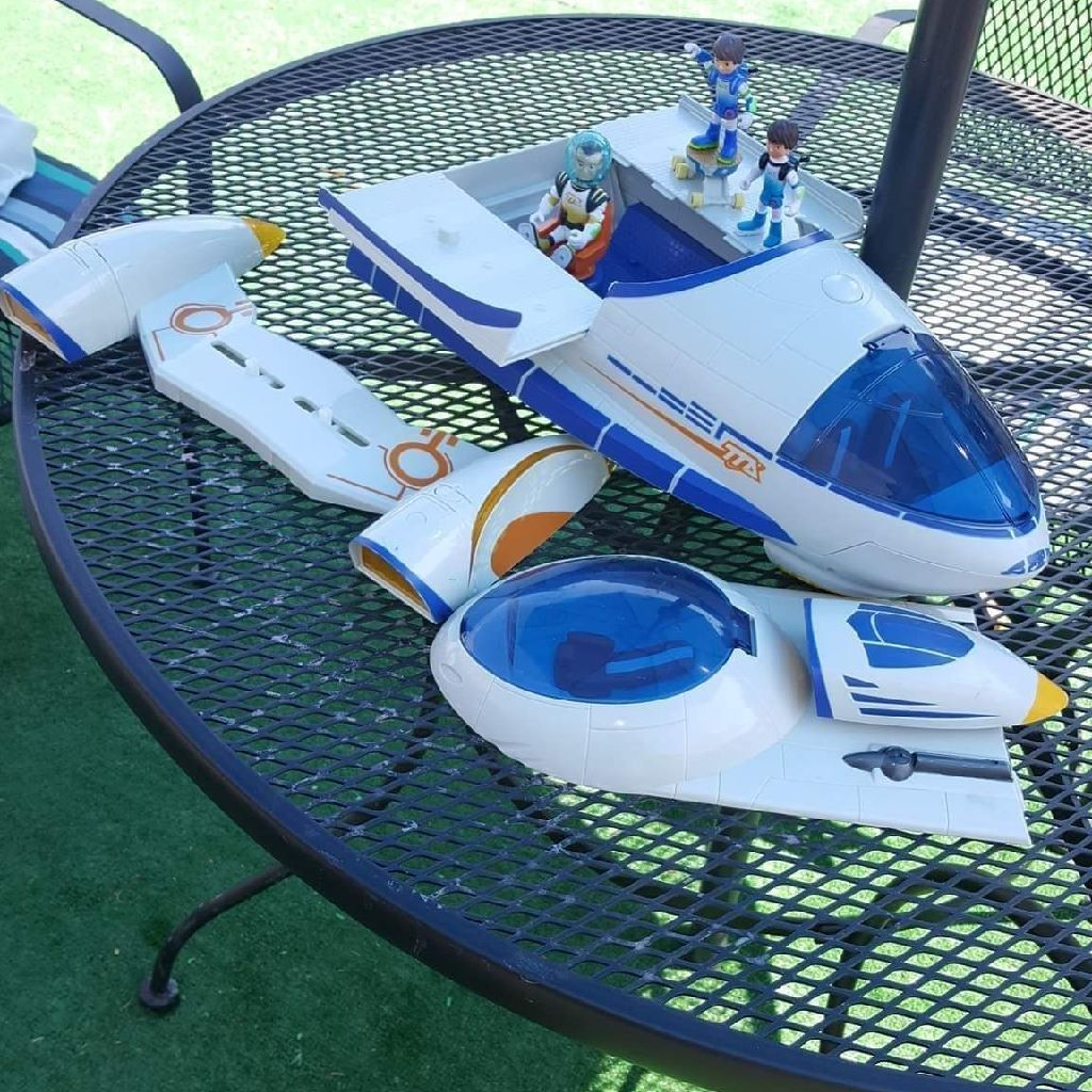 KIDS TOYS MILES FROM TOMORROW LAND SPACE SHIP