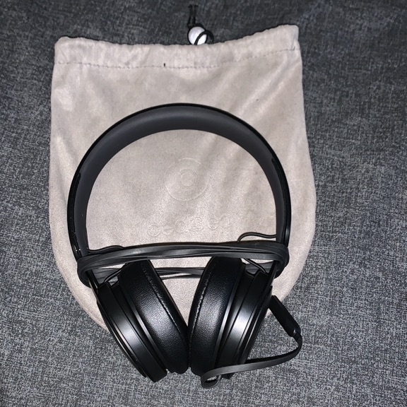Beats by Dr.Dre Ep Headphones