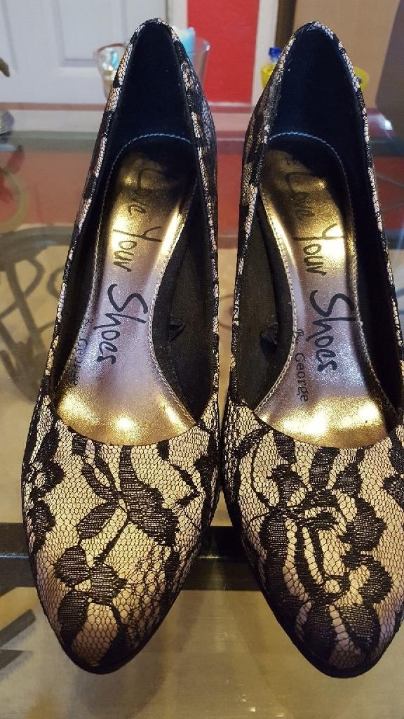 Ladies shoe's