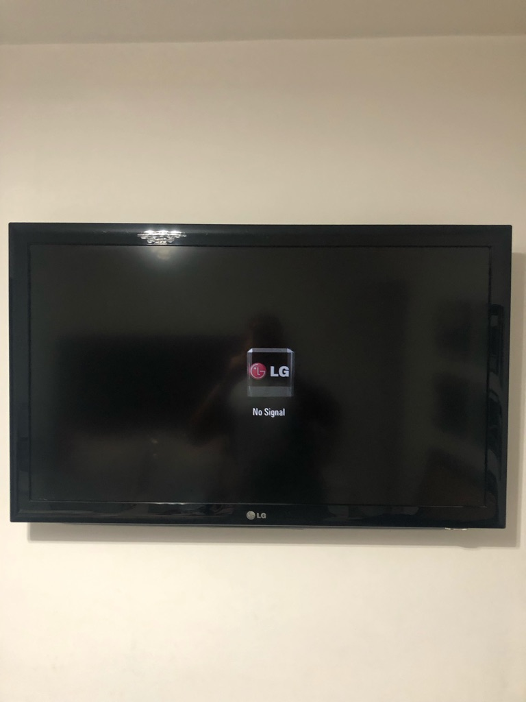 LG 42 inch flat screen tv