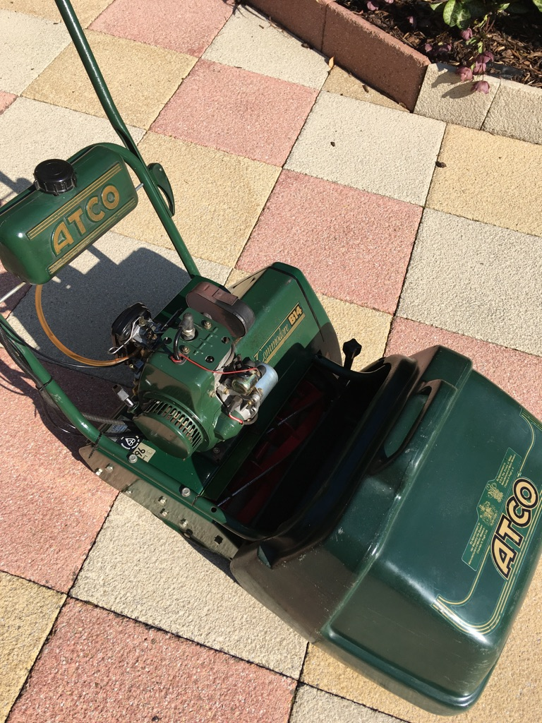 Atco Commodore B14 cylinder mower