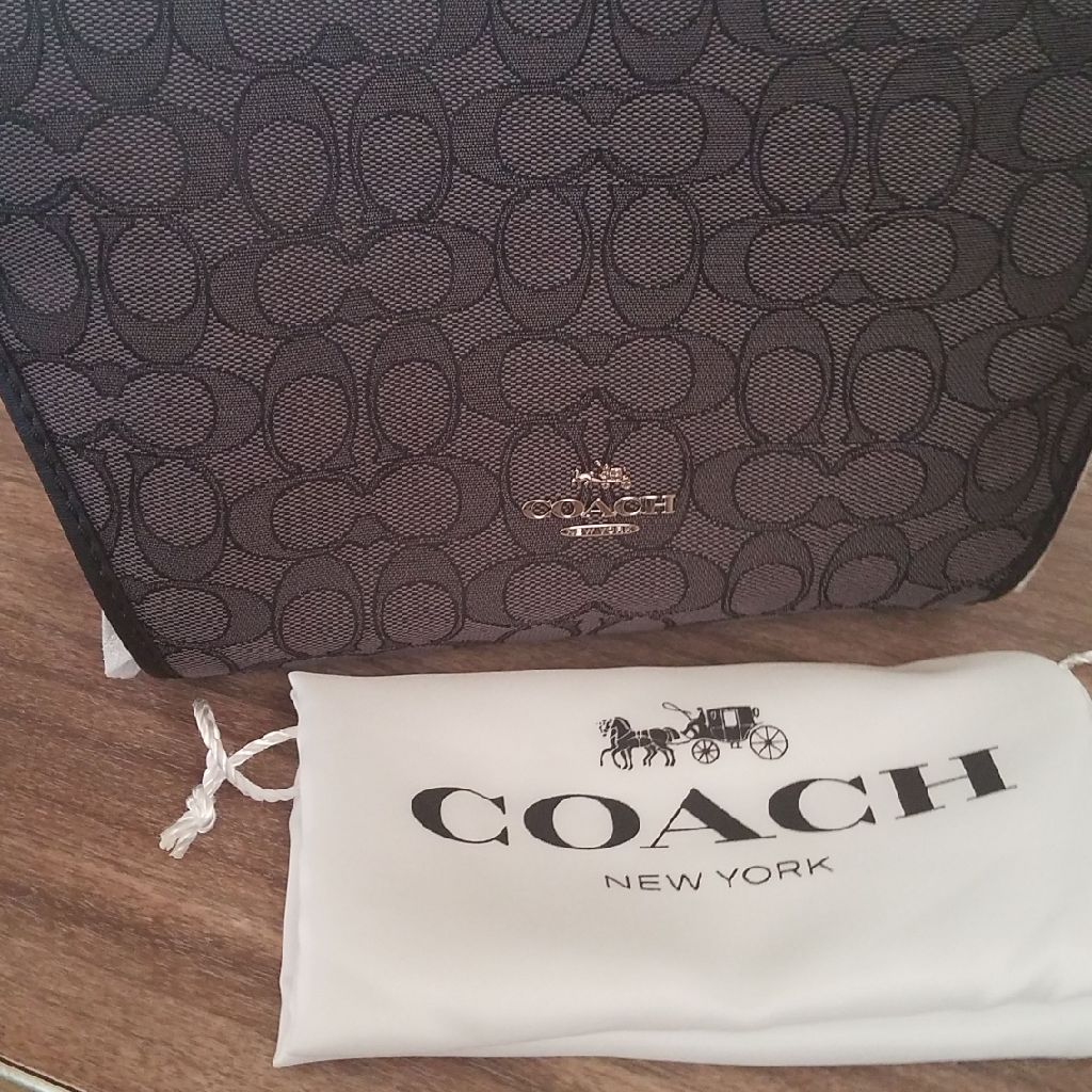 Brand new med coach purse