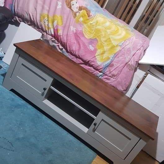 New gray tv unit £150