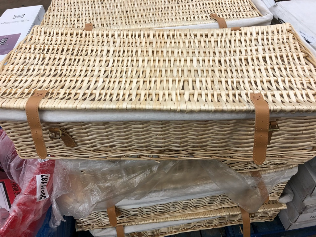 Wicker basket storage hamper