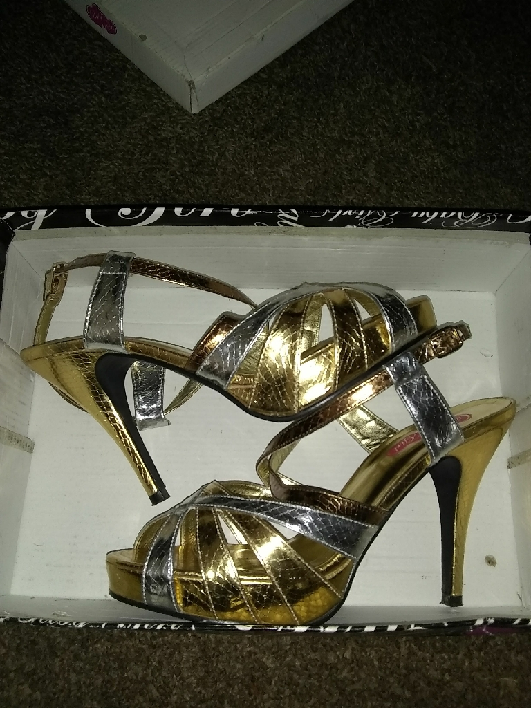 Female Heels Size 8 , Never Worn