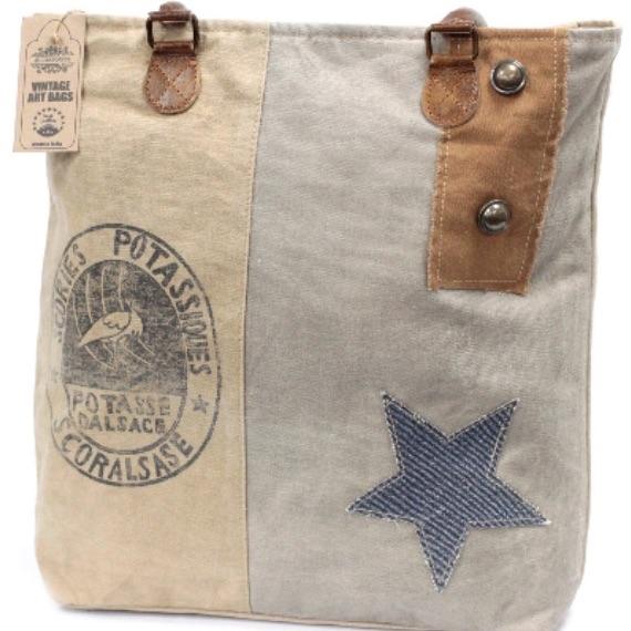Vintage bag stork and star