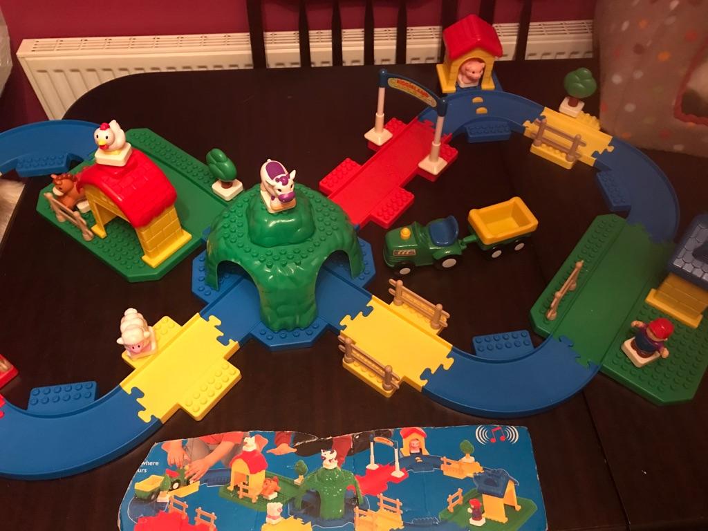 Children's Fantastic Kiddie Land Musical Train And Track Set