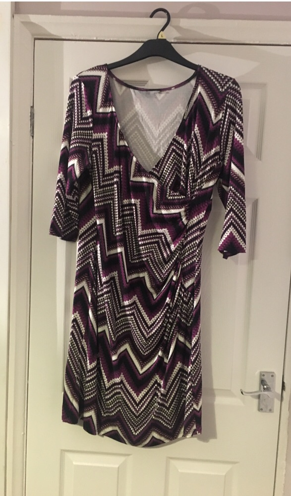 Print Dress Size 18 Excellent Condition