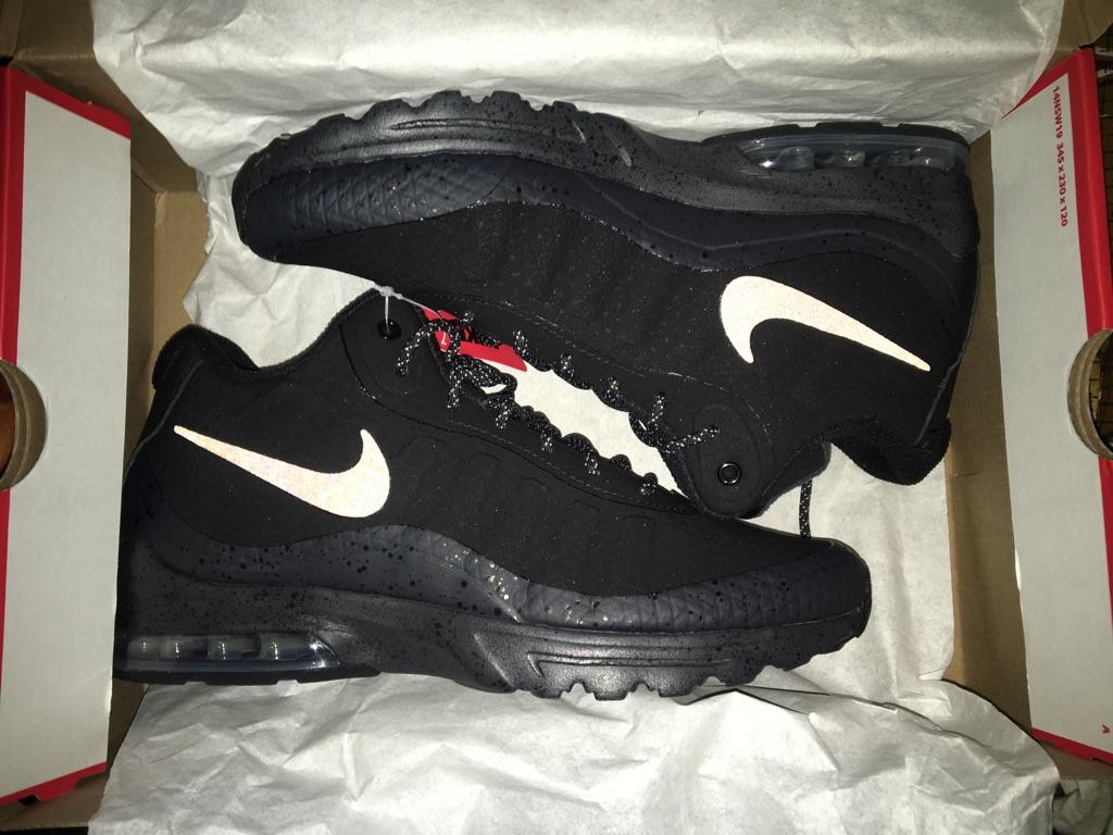 Nike Air Max Invigor Size 8