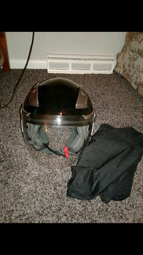 Riding helmet w/built in visor