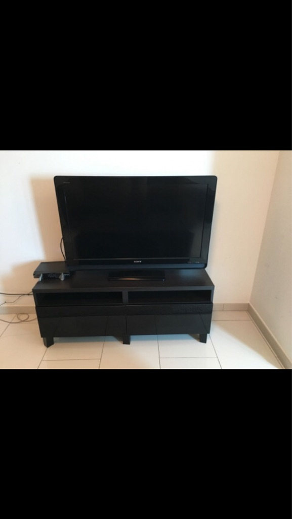 "40"" Sony Bravia flat screen tv 1080i 2016"