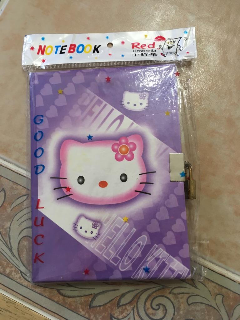 Hello Kitty Notebook w/ Lock & Key
