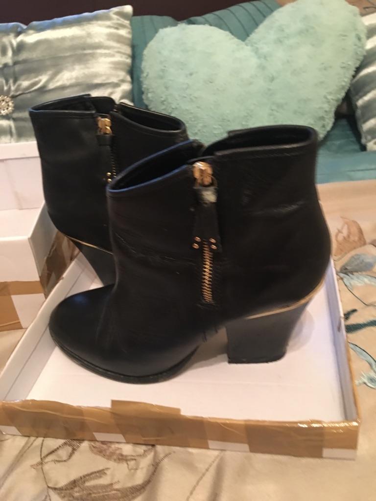 Genuine Ladies River Island Boots Size 8