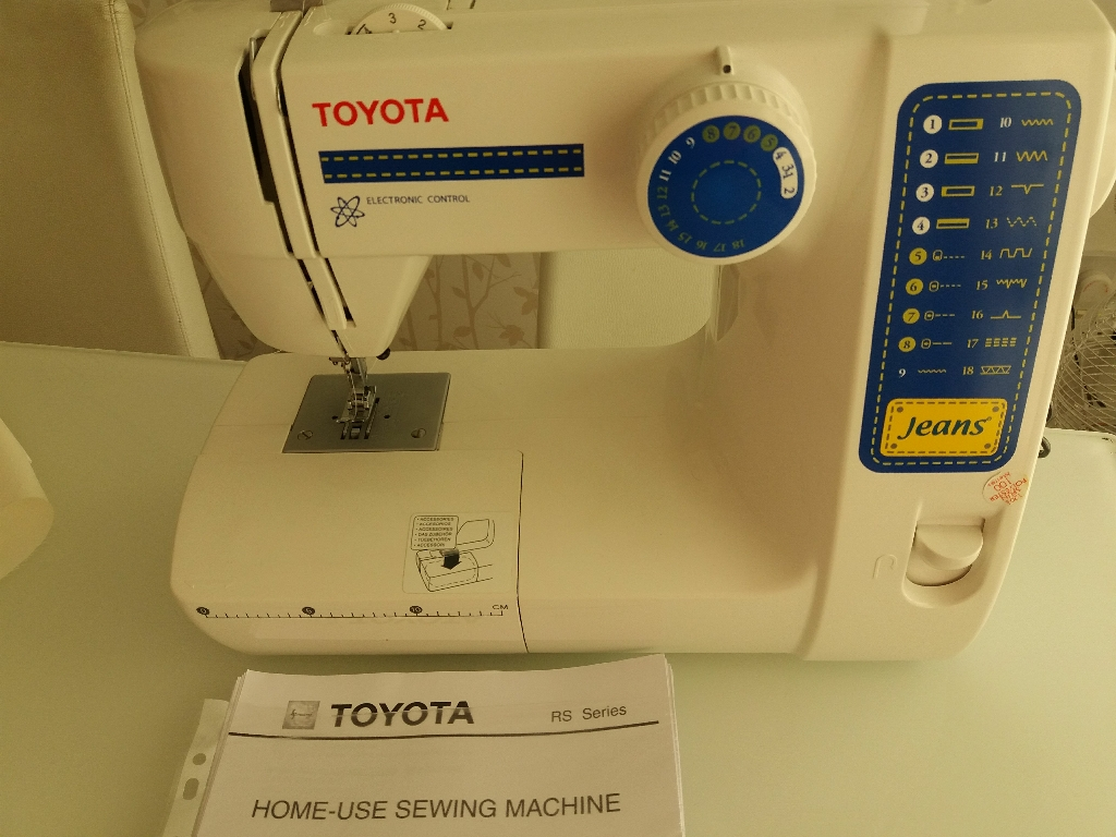 Mint Condition Toyota Sewing Machine