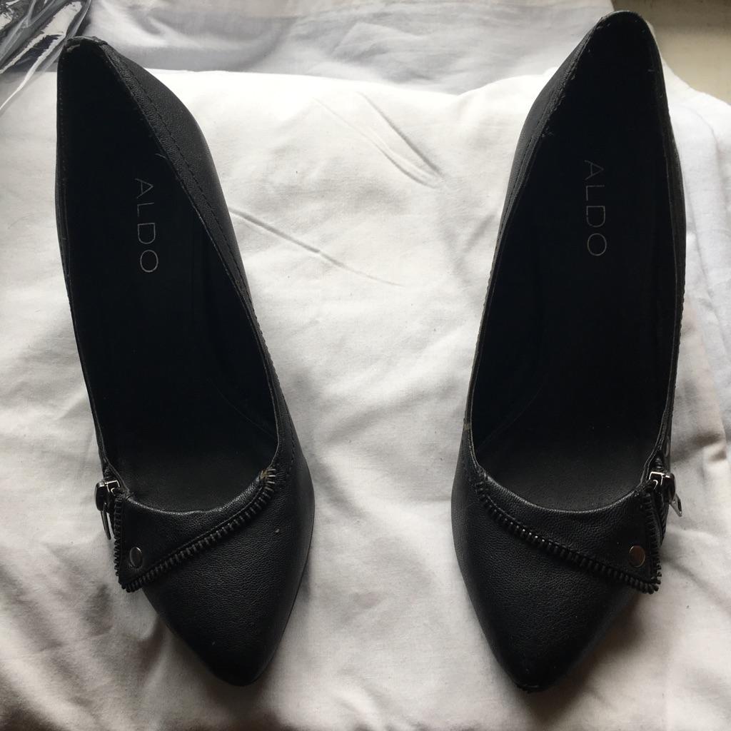 Aldo kitten heel zipper shoes size 5