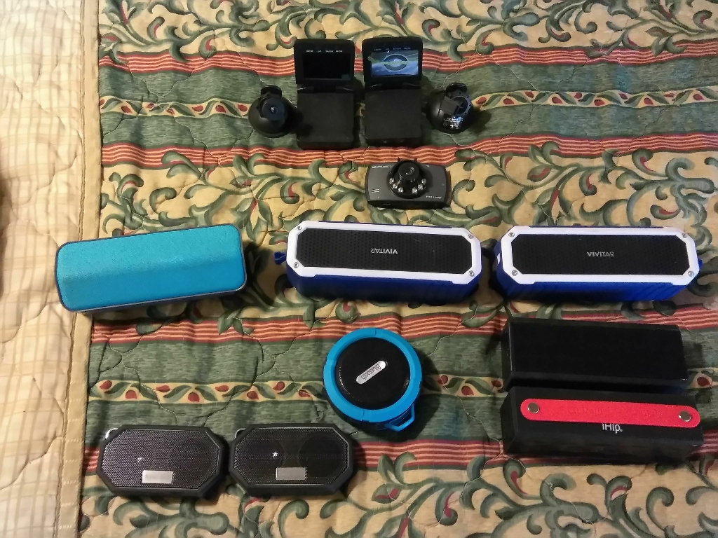 Bluetooth speakers bluetooth earpieces dash cams