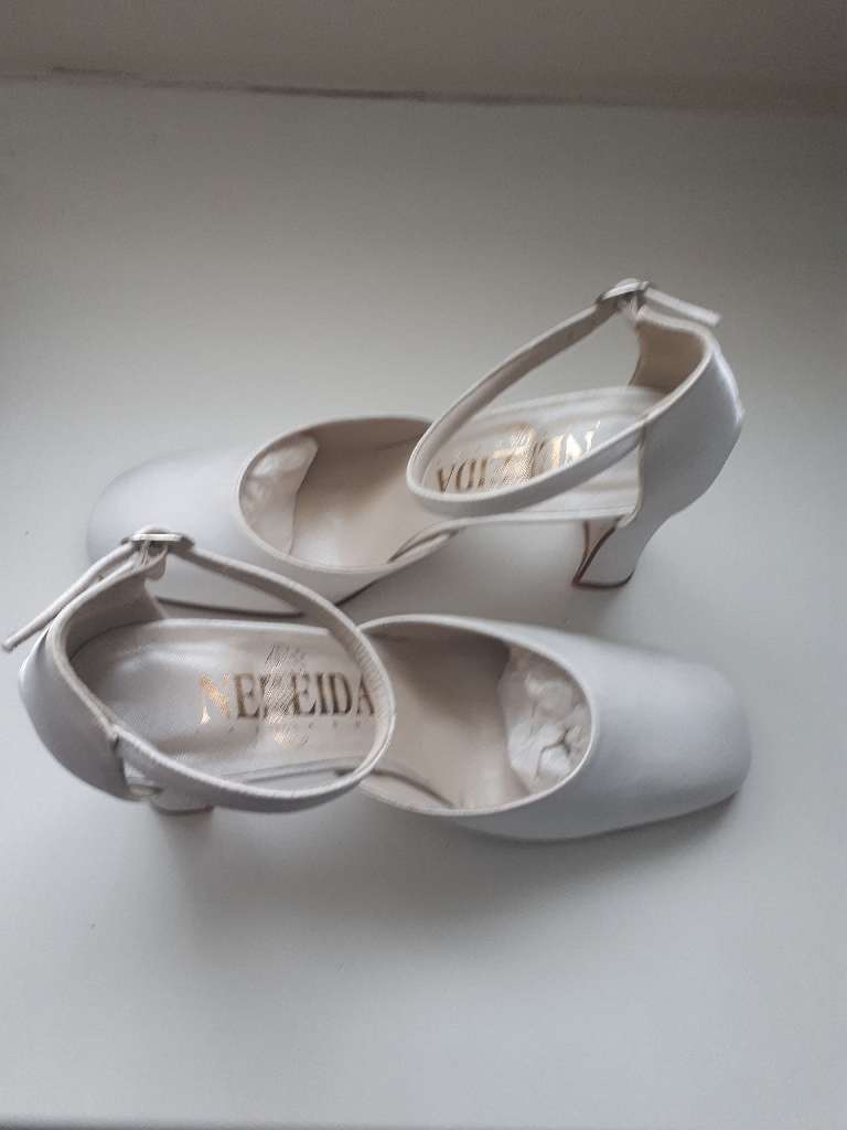 Brand New Cream Satin Shoes Size 5