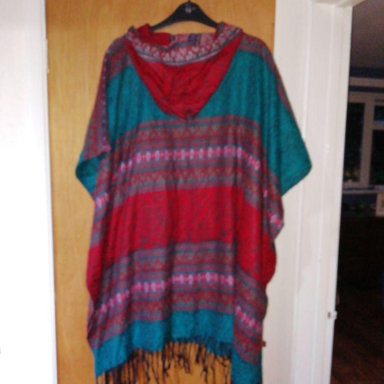Multicolour poncho size 20/22