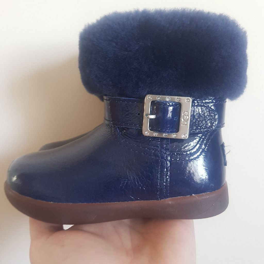 Ugg boots navy blue size 5