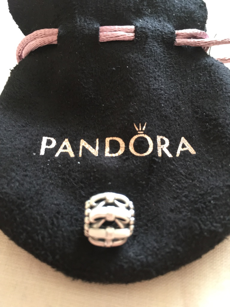 Pandora pink bow charm