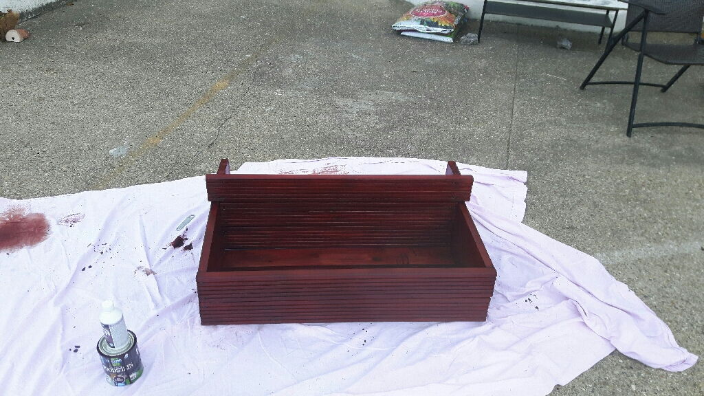 Double planter in red mahogany wood stain and fungicide treated