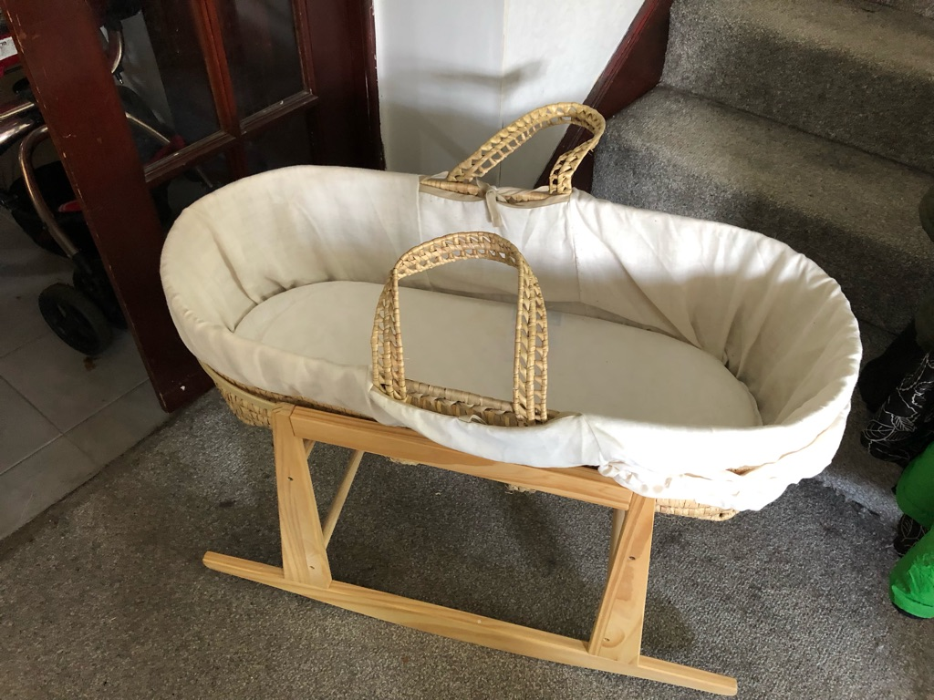 Moses basket, stand and accessories