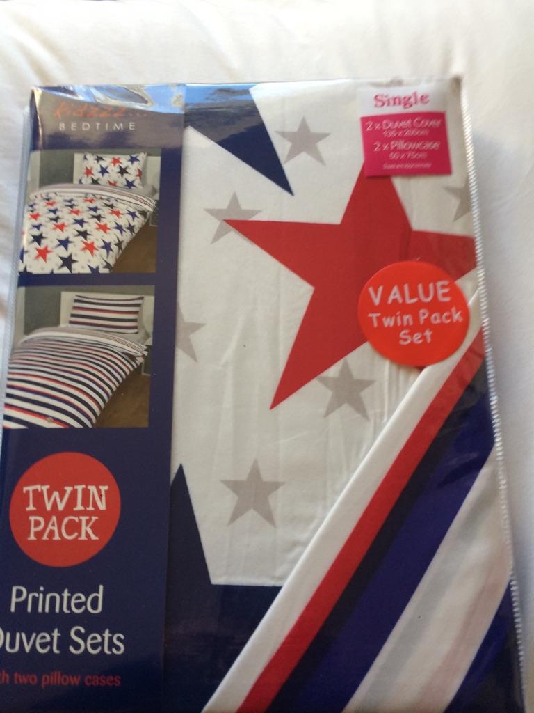 Twin pack single duvet sets
