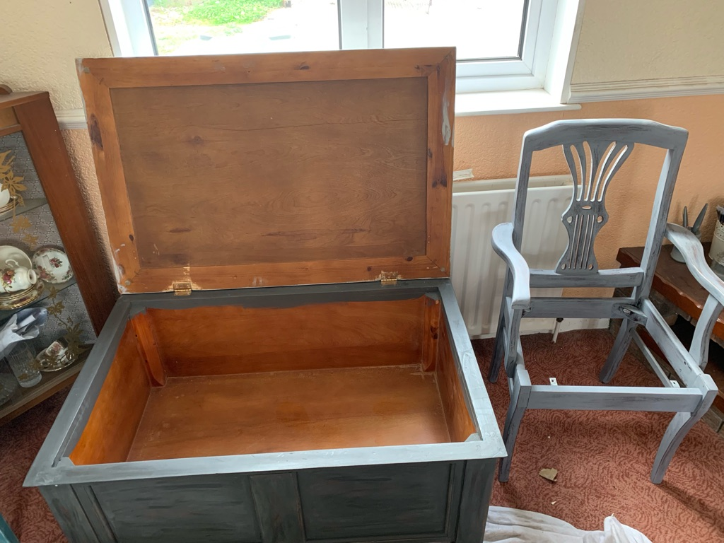 Upstyled coffee table box
