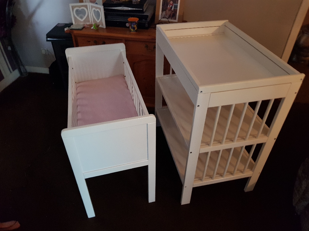 Crib And Changing Unit