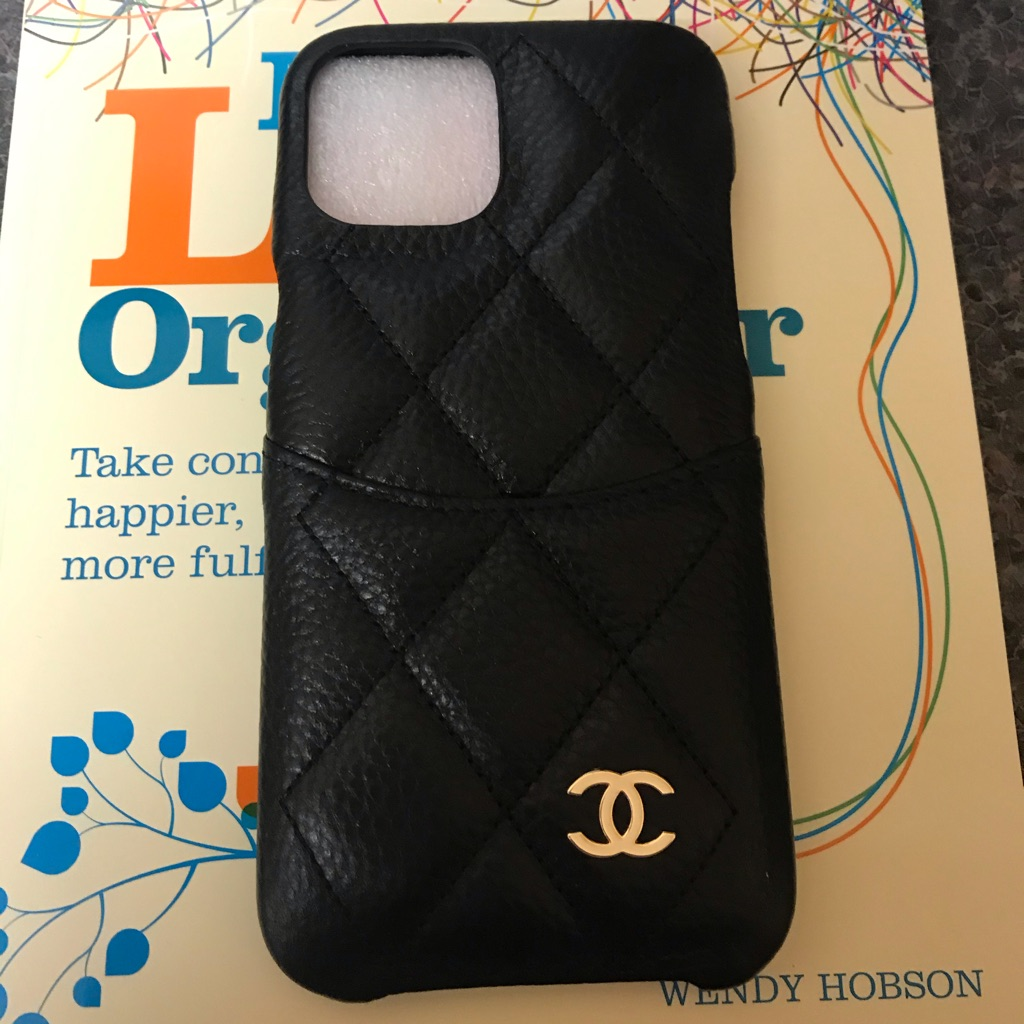 Ladies quilted phone case