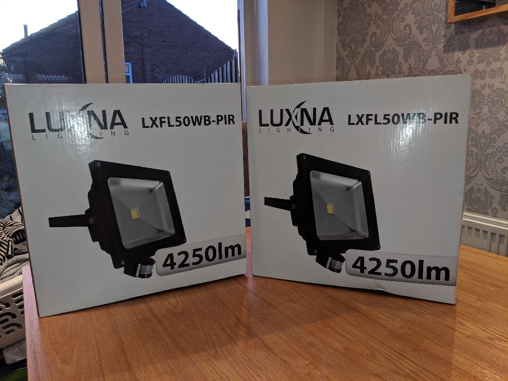 X2 Luxna LED floodlights