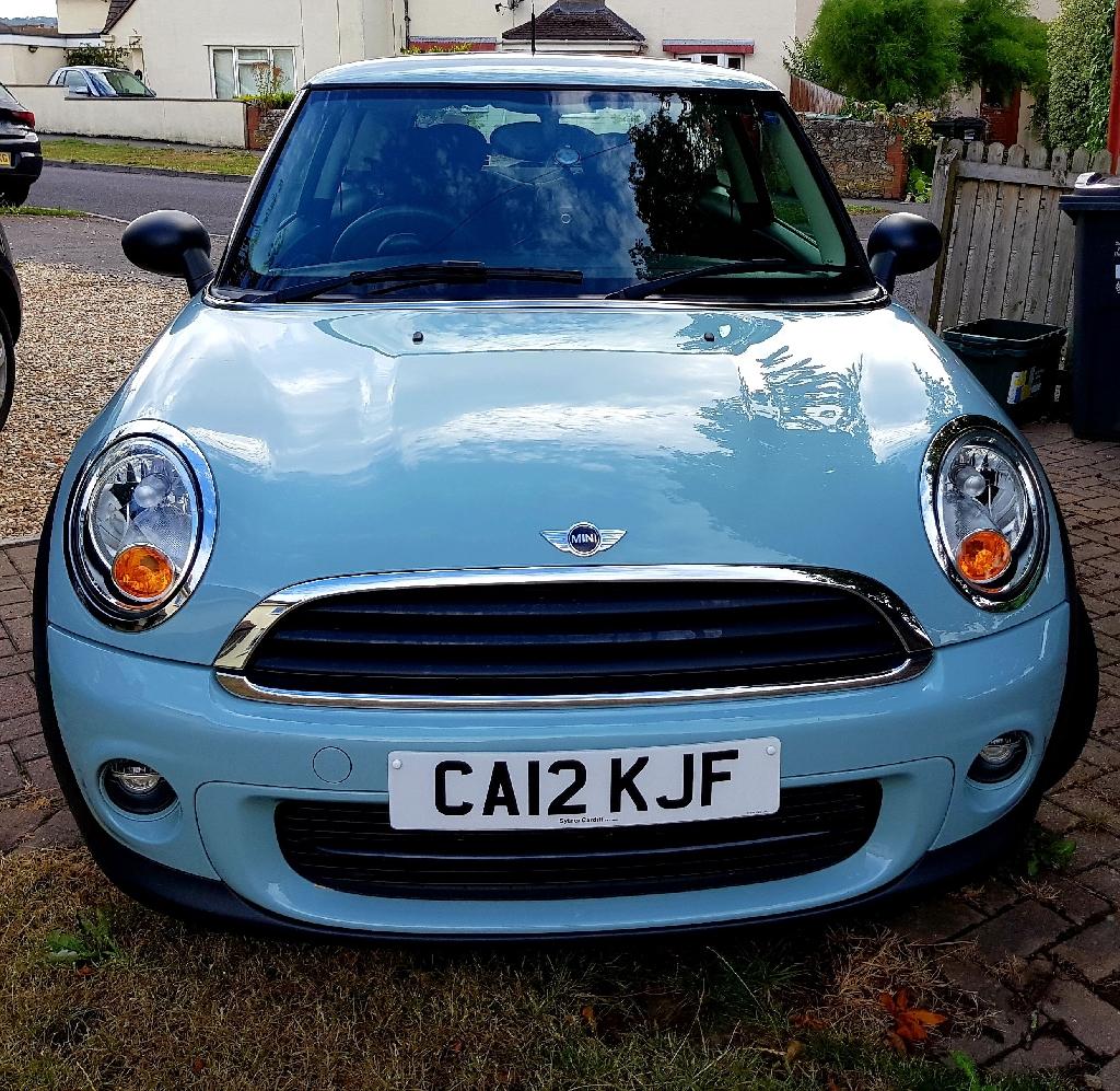 Ice blue Mini Cooper