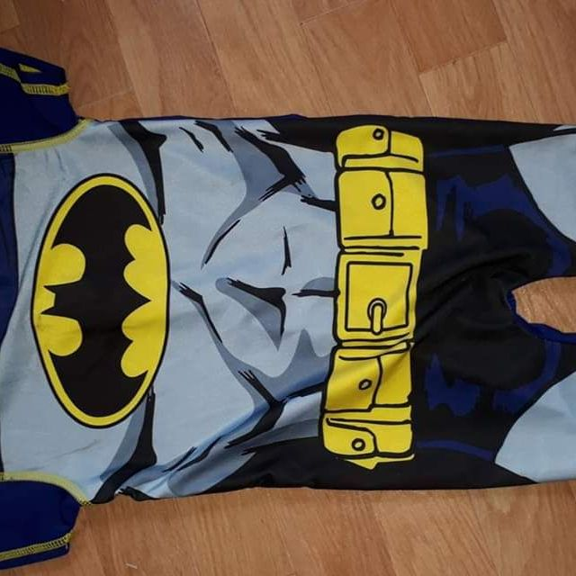Boys Batman swim suit with uv protection. Age 18-24 months
