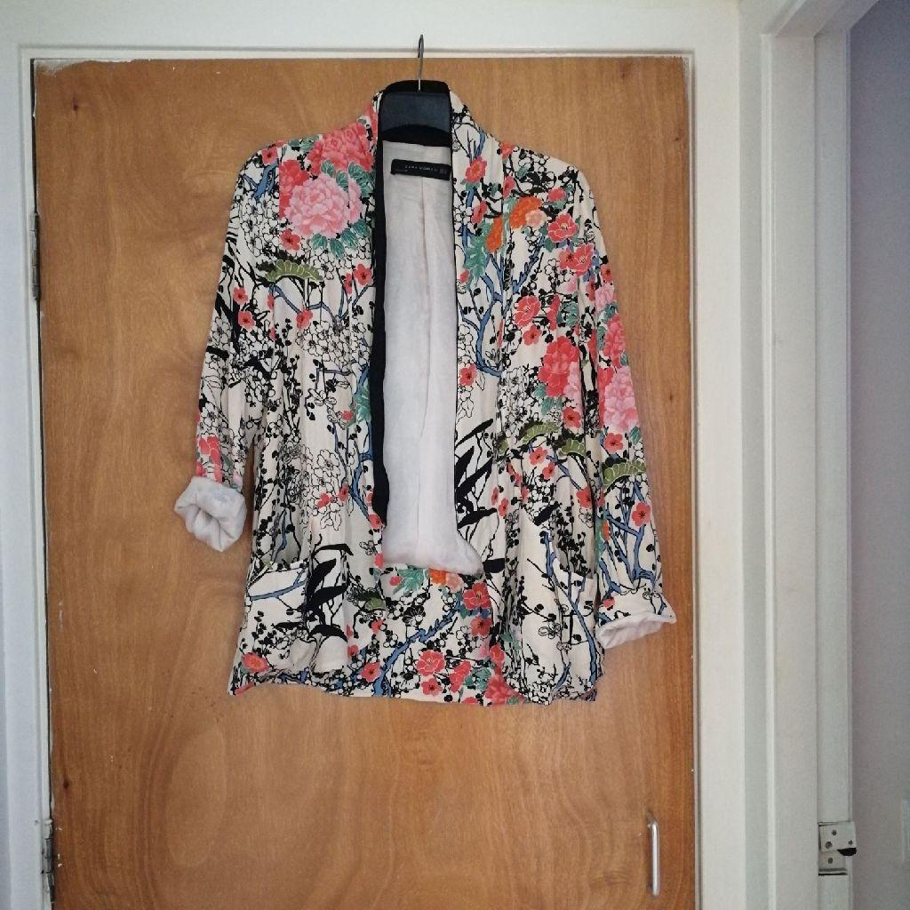 Zara floral blazer size xs
